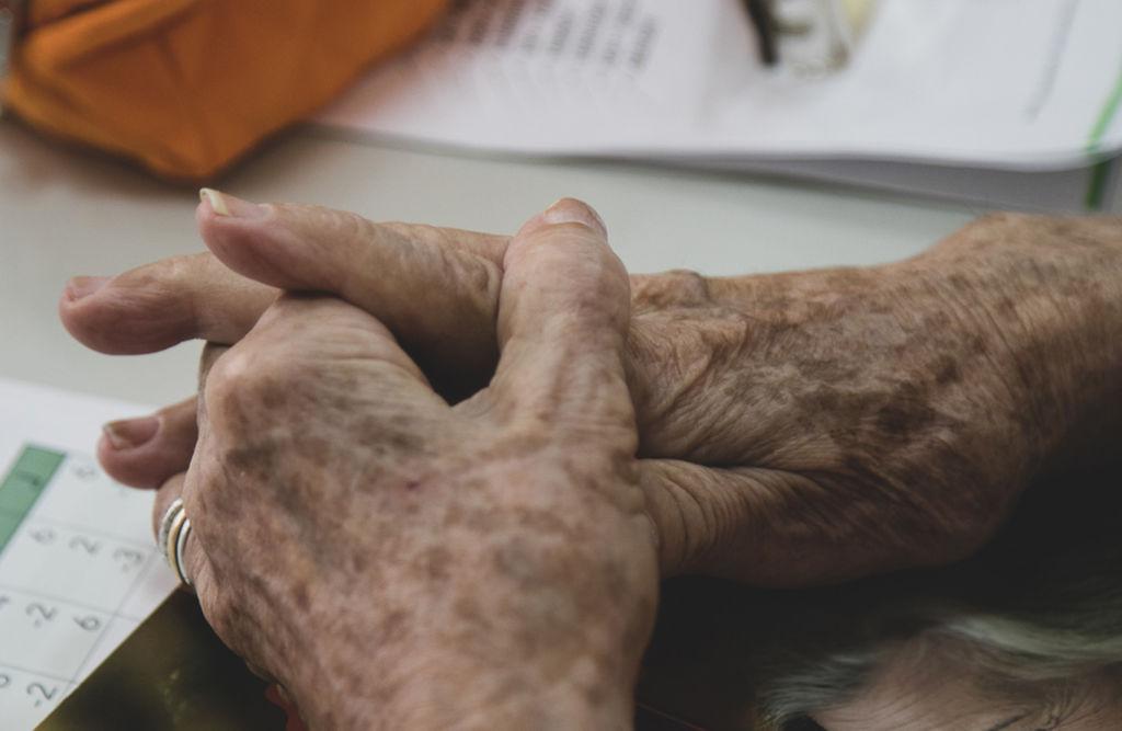 Projeto de lei prevê piso especial da Previdência para 'super idosos'